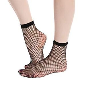 MANZI 4 PACKS OF FISHNET SOCKS.